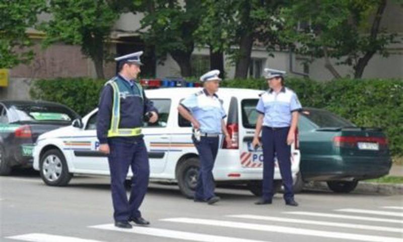 Scandalagii din Stolniceni Prajescu si Todiresti, amendati de politistii pascaneni. Sanctiuni mari date in urma unor controale